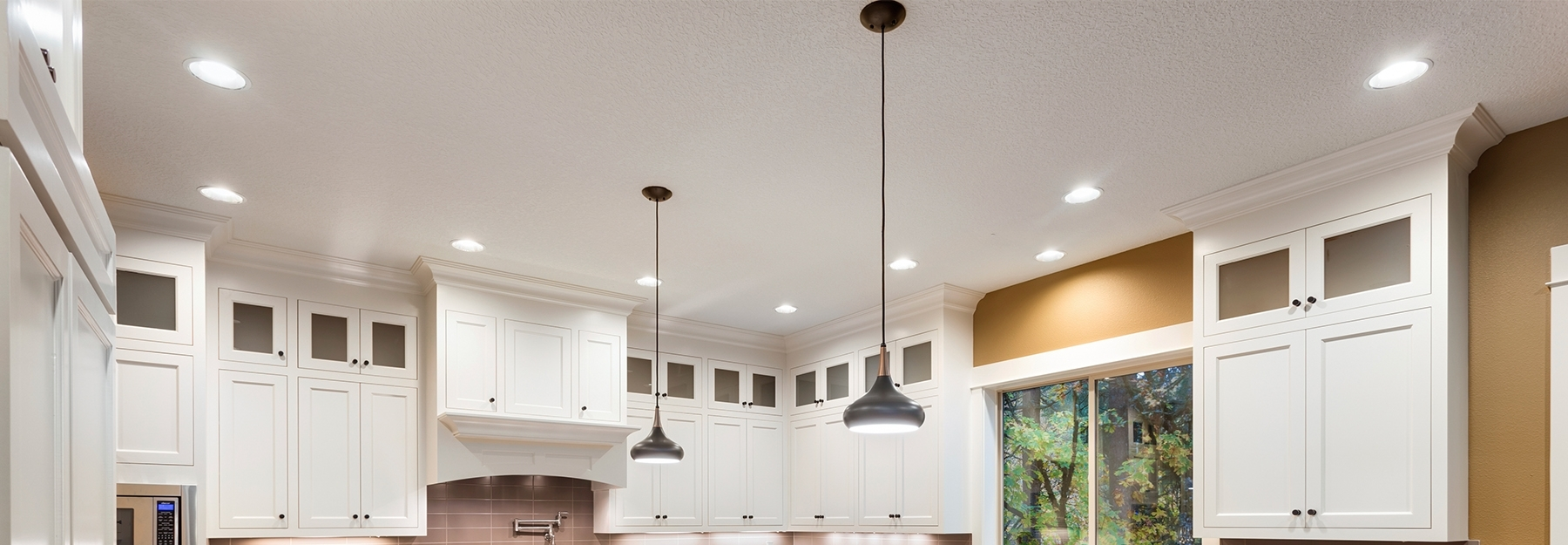 Kitchen cabinets and lighting image